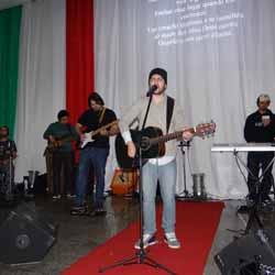 Diego Natan se apresenta na Festa das Nações
