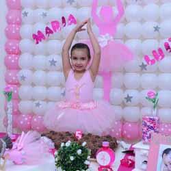 Maria Luiza comemora aniversário com festa