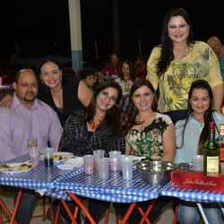 Amigos se reúnem em confraternização no Grepol