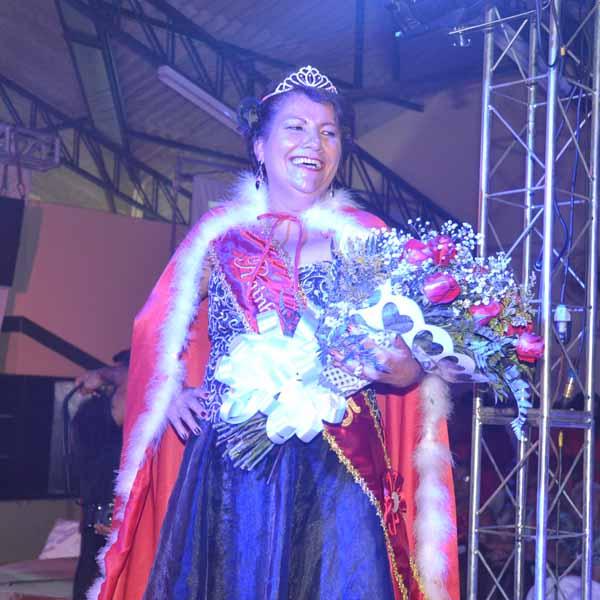 Vera Lucia é eleita Miss Terçeira Idade.