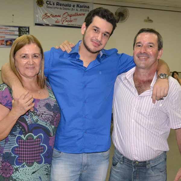 Lucas Siqueira Devides comemora seus 18 anos