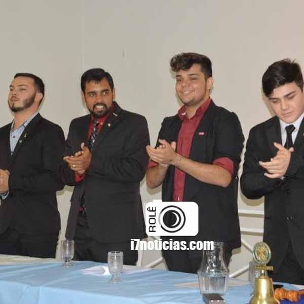 Interact e Rotaract Club realizam evento de transmissão de posse