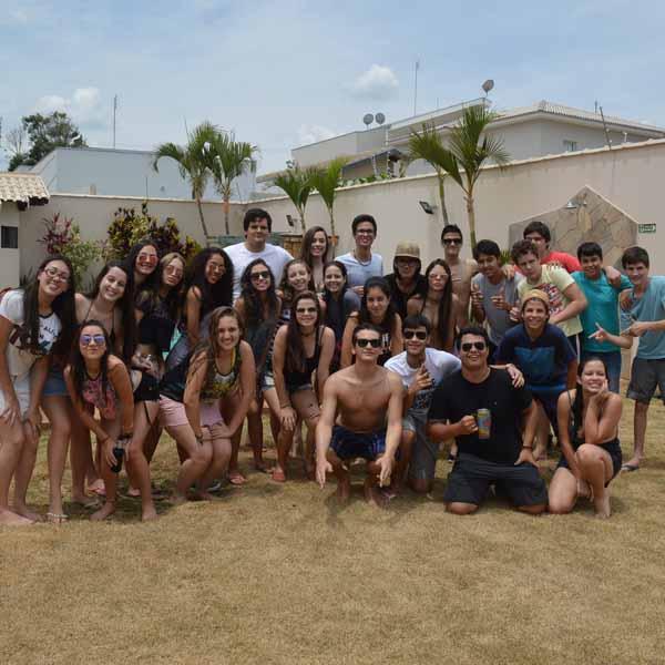 3º Colegial do Colégio Paraguaçu realizam confraternização