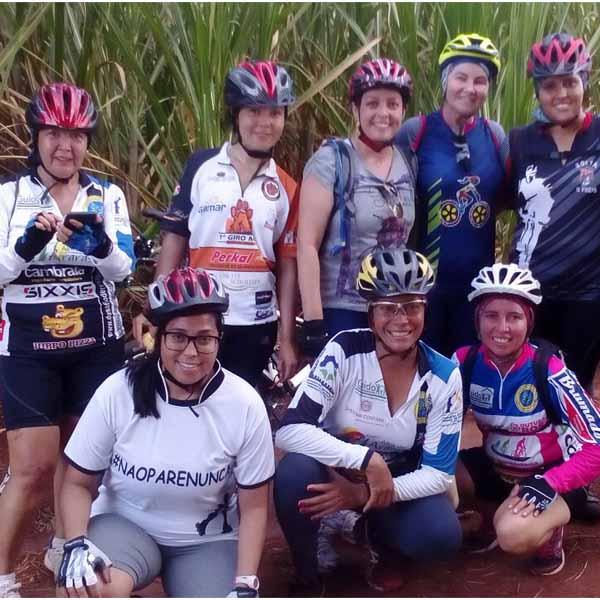 Grupos 'Sou + Bike' e 'Solta o freio' se unem para pedalar