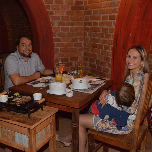 Luss Choperia oferece noite de sábado agradável para os seus clientes