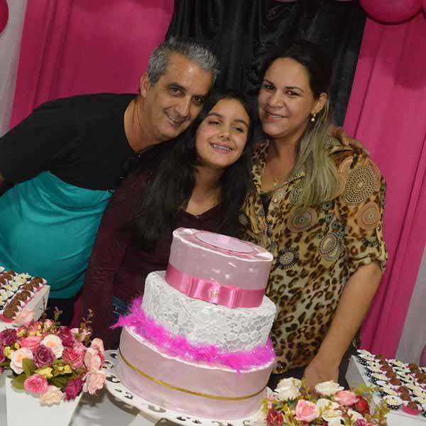 Fernanda Riedo festeja a chegada de mais um aniversário