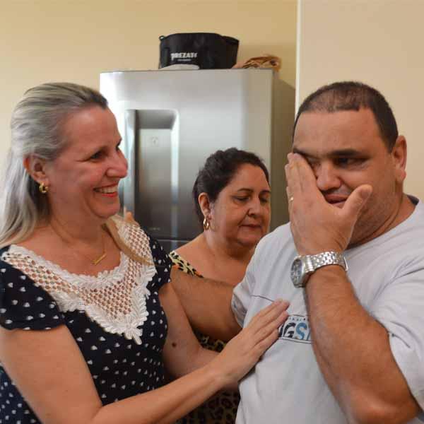 Luiz Vitorino ganha festa surpresa no seu aniversário de 44 anos