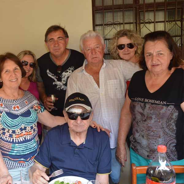 Aparecido Pinoti reúne a família e amigos para celebrar os seus 76 anos