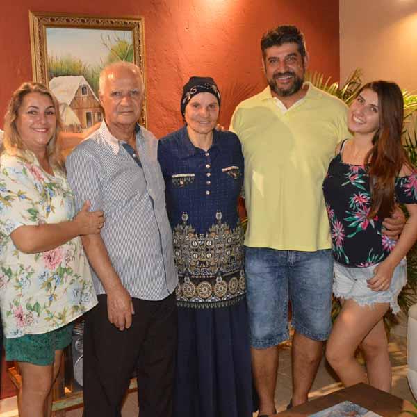 Família libanesa, ex-moradora de Paraguaçu Paulista, retorna à Estância para matar a saudade