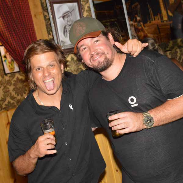 Maloka Rock Star e Trilogia do Rock fazem a festa na tarde de domingo do Jesse James