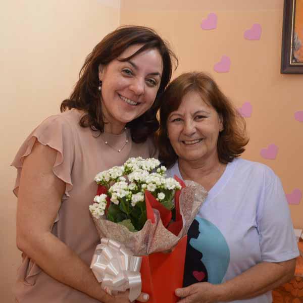 Luciene Paula ganha festa de despedida na Unidade de Atendimento da Mulher