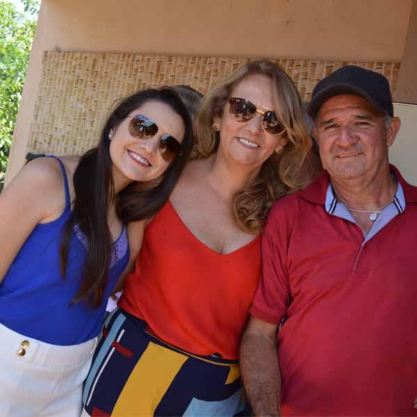 Mariza Domingues faz festa para comemorar mais um ano de vida