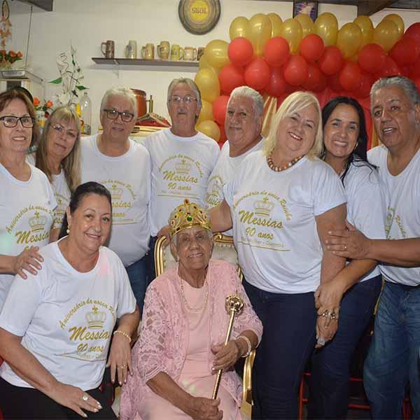 Dona Messias completa 90 anos e festeja.