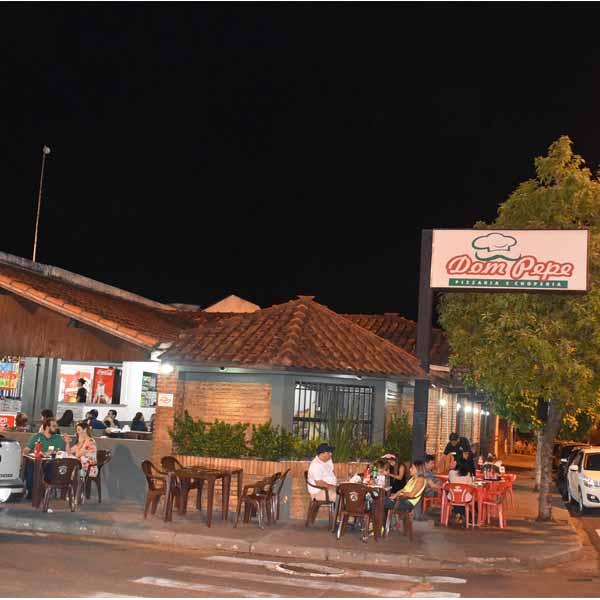 Galera curte o último sábado na Dom Pepe Pizzaria