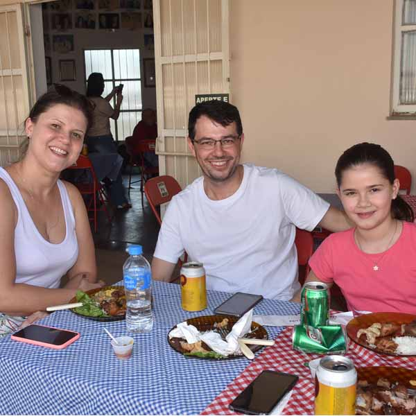 Lions Clube realiza o 10º Almoço à Mineira