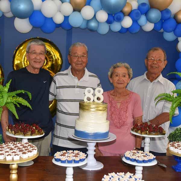 Hirome Nishizawa comemora seus 88 anos com festa