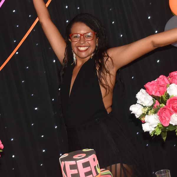 Denise Moreira faz festa para comemorar os seus 35 anos