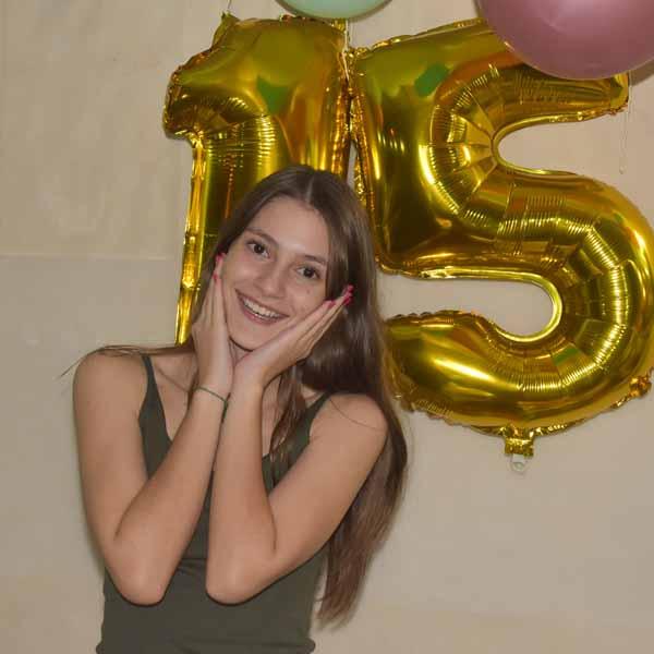Gabriela Carvalho celebra a chegada dos seus 15 anos