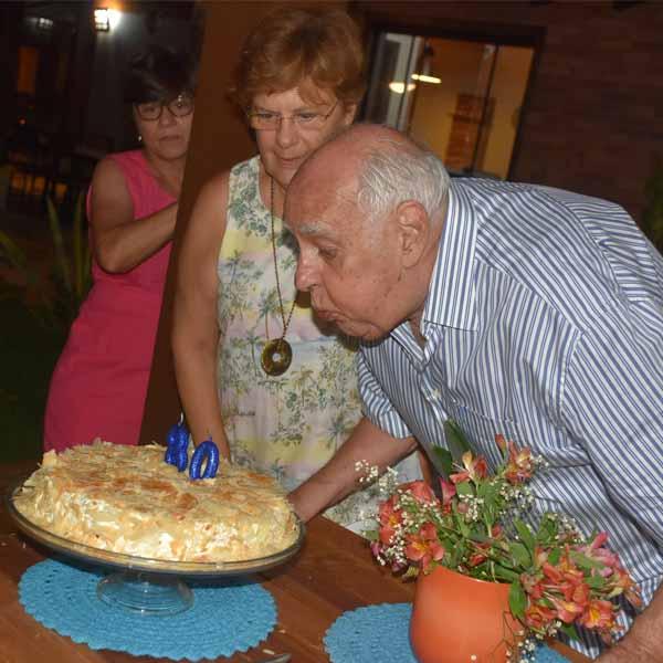Augusto Reis faz festa para celebrar os seus 80 anos