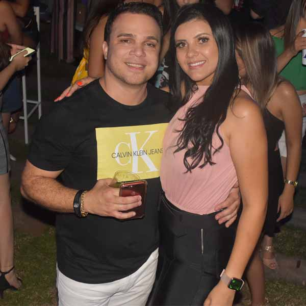 O casal Fabiano e Amanda festeja aniversário em dose dupla