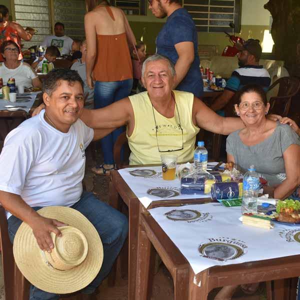 Apae realiza 4º Almoço Sertanejo & Leilão de Gado