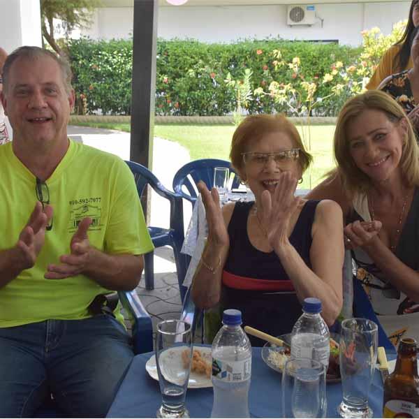 Profª Lourdes Figueira festeja seus 83 anos