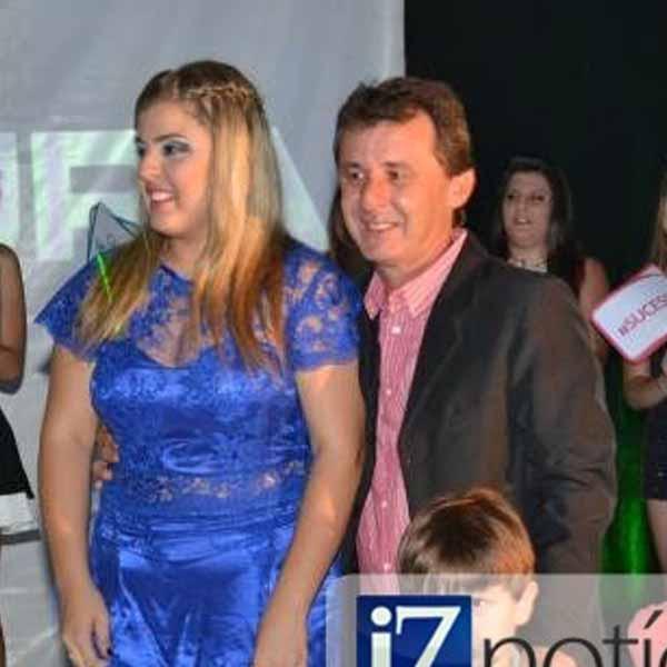 RETROSPECTIVA - 03/02/2014 - Laura Guedes comemora 15 anos em grande estilo