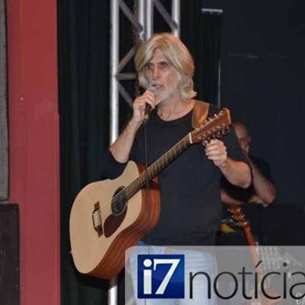 RETROSPECTIVA - 10/03/2014 - Osvaldo Montenegro se apresenta em Marília