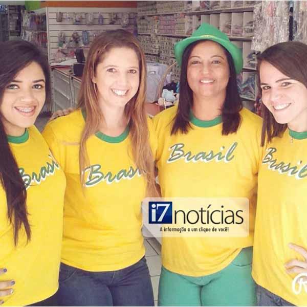 RETROSPECTIVA - 14/06/2014 - Concentração para o início da 1ª partida do Brasil