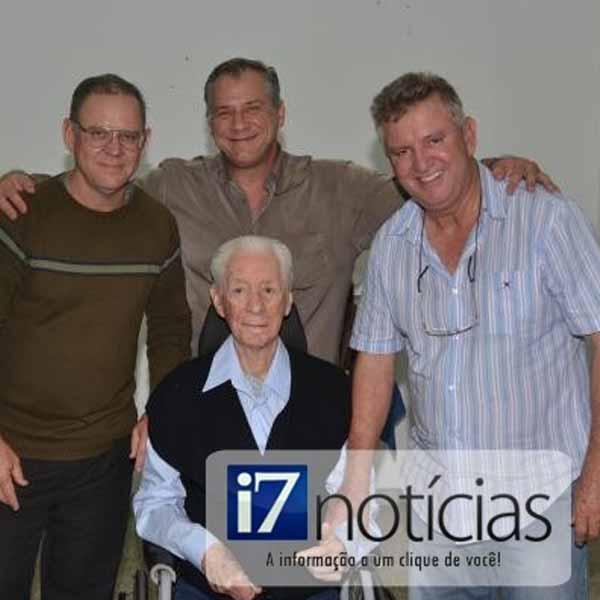 RETROSPECTIVA - 11/07/2014 - Festa marca os 85 anos do professor Luis Figueira