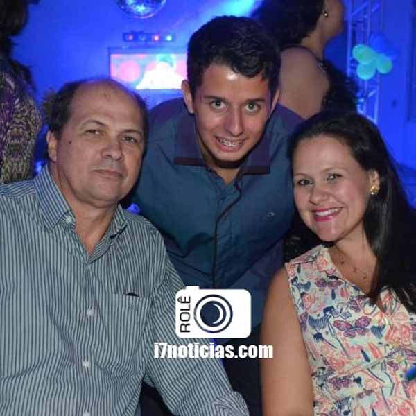 RETROSPECTIVA - 07/04/2015 - Luis Felipe festeja aniversário no Lions Clube