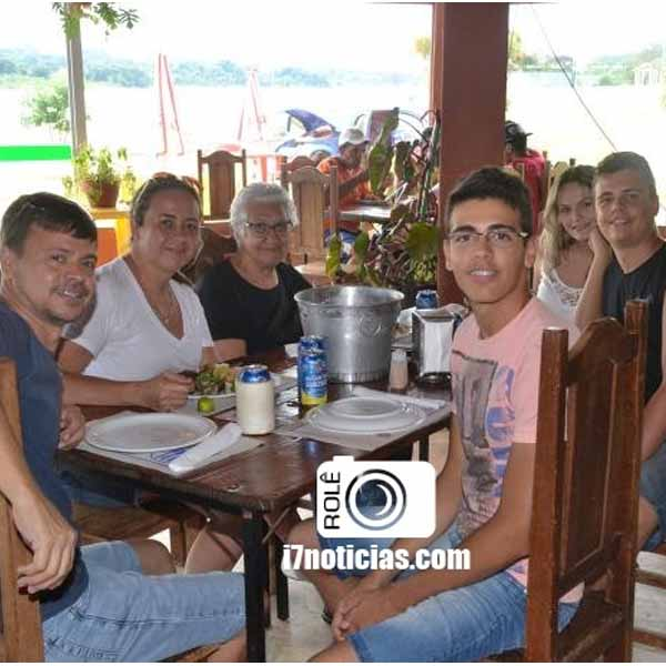 RETROSPECTIVA - 20/04/2015 - Cliques no domingo no Restaurante Grande Lago