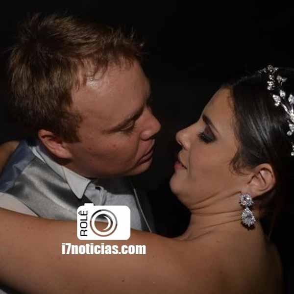 RETROSPECTIVA - 28/04/2015 - Bruna e Evandro se unem pelo matrimônio