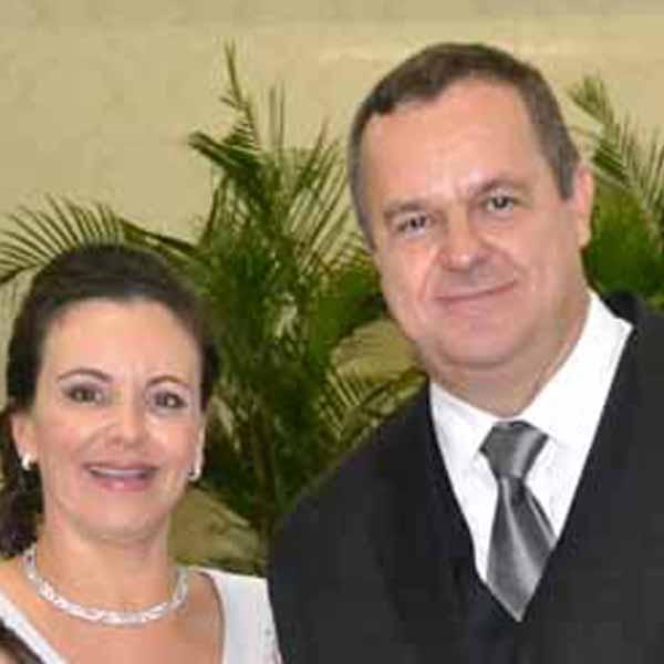 RETROSPECTIVA - 25/05/2015 - Rafael e Inês celebram Bodas de Prata