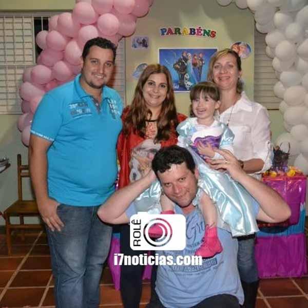 RETROSPECTIVA - 18/05/2015 - Amanda comemora 3 anos com linda festa