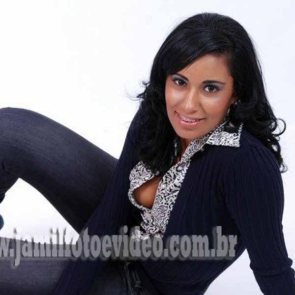 RETROSPECTIVA - 08/05/2012 - Beleza e sensualidade caracterizam a morena Tamiris Rodrigues