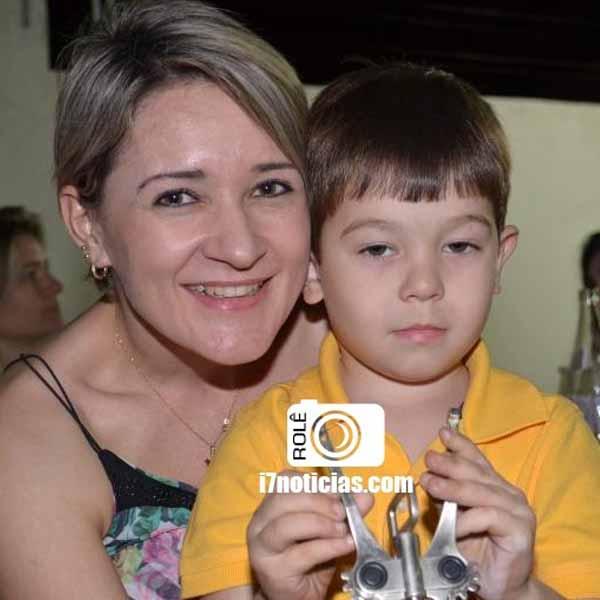 RETROSPECTIVA - 11/08/2015 - Alessandra Alfredo comemora mais um aniversário