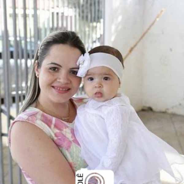 RETROSPECTIVA - 17/08/2015 - Alícia recebe o sacramento do batismo