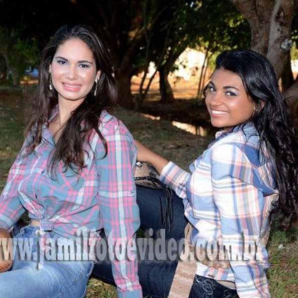 RETROSPECTIVA - 03/09/2012 - Miss Simpatia e 2ª Princesa mostram que são dignas de representarem a beleza paraguaçuense