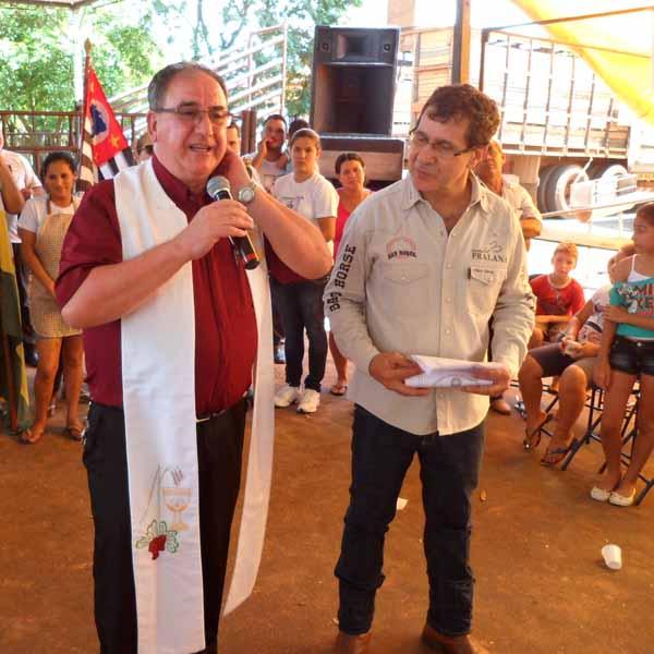 RETROSPECTIVA - 13/12/2015 - Leilão de gado em Conceição de Monte Alegre