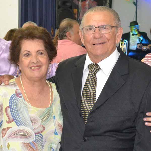 RETROSPECTIVA - 13/12/2015 - Valdir e Julieta comemoram Bodas de Ouro