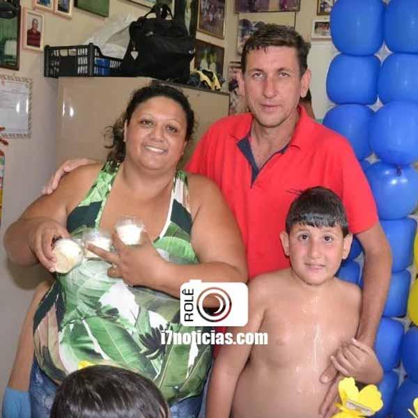 RETROSPECTIVA - 11/01/2016 - Mãe e filho comemoram idade nova