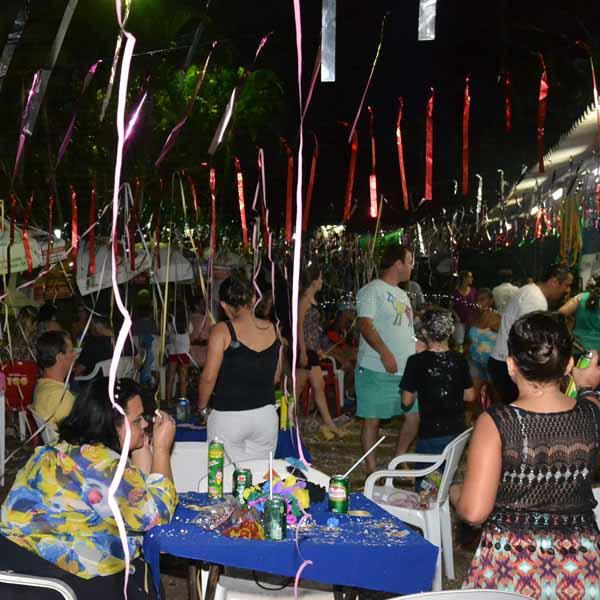 RETROSPECTIVA -08/02/206 - PTC realiza festa de Carnaval em sua sede esportiva