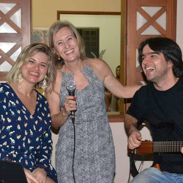 RETROSPECTIVA - 03/04/2016 - Elza celebra a chegada de mais um ano