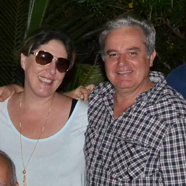 RETROSPECTIVA - 25/04/2016 - Dra Simoni Fink celebra aniversário ao lado da sua família e amigos