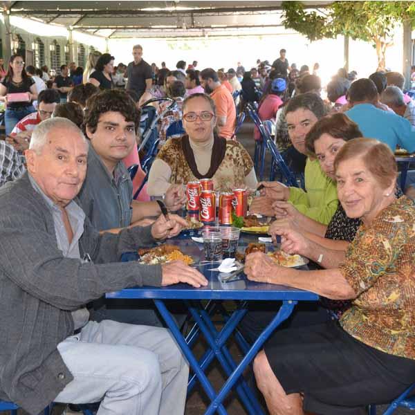 RETROSPECTIVA - 19/06/2016 - Quermesse em louvor à Santo Antonio é sucesso