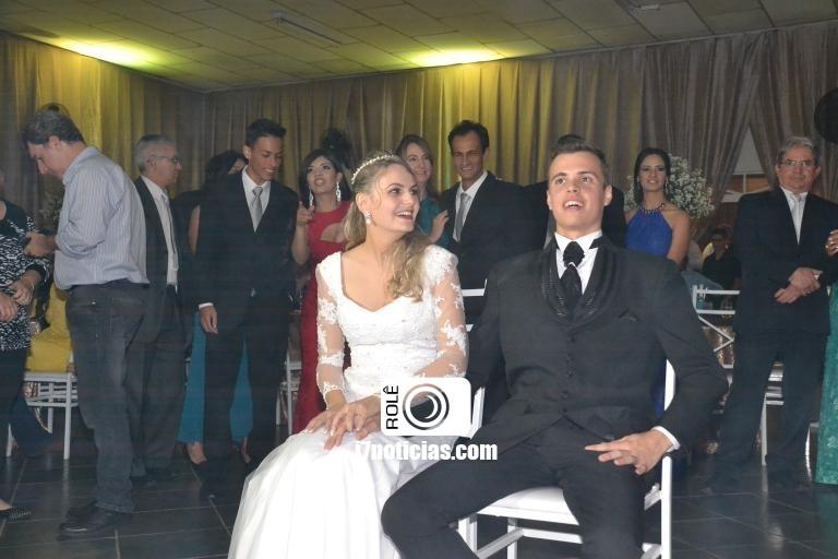 RETROSPECTIVA - 18/07/2016 - Joyce Amanda e Lucas Giovani celebram união