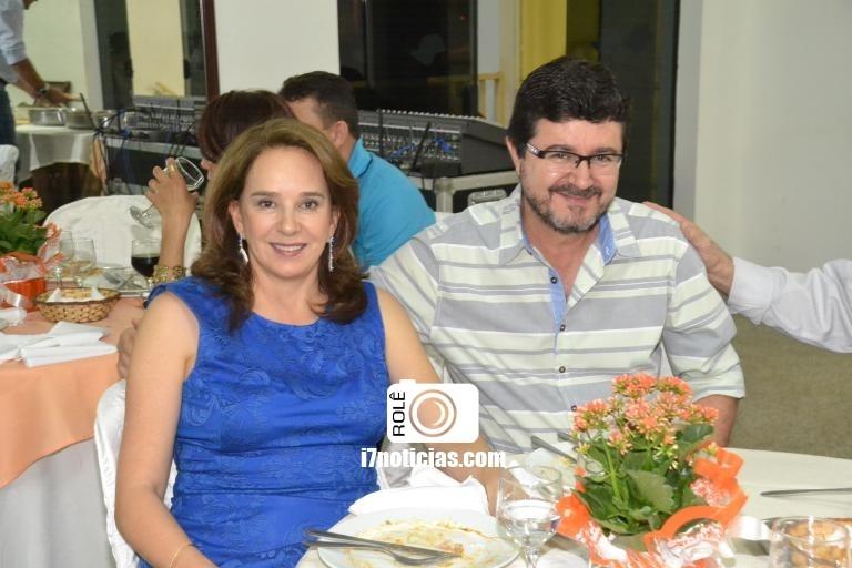 RETROSPECTIVA - 08/08/2016 - Igreja Cristo Salva realiza jantar para casais