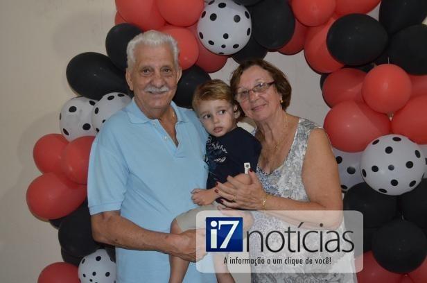 RETROSPECTIVA - 19/01/2014 - Fernandinho comemora 3 aninhos e ganha festa