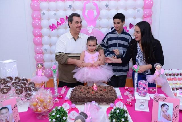 RETROSPECTIVA - 22/08/2013 - Maria Luiza comemora aniversário com festa